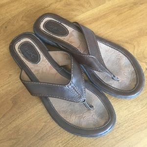 B. O. C. Leather Flip Flops Size 7 Brown